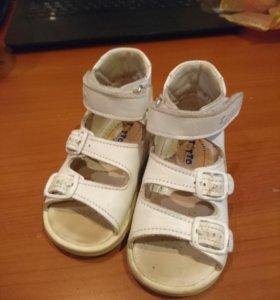 Детские туфли фирмы тотто