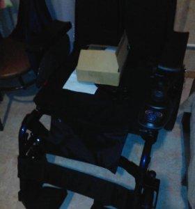 Инвалидное-кресло на электроприводе