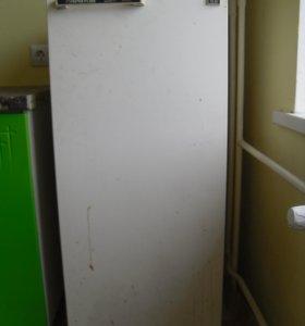 Холодильник Саратов 1615М.
