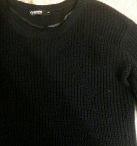 Чёрный свитер oversize