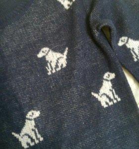 Лёгкий синий свитер с рисунком