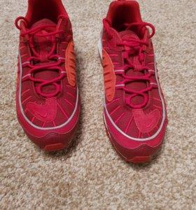 Кроссовки Nike air новые 42,5