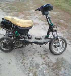 Скутер 80 кубов
