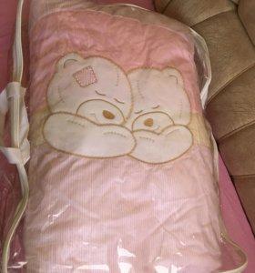 Детский набор в кроватку