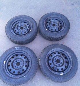 Комплект зимних шин на дисках (для ваз R14)