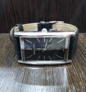 часы кварцевые Romanson DL2158cm