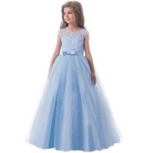 Новое платье 140 см.