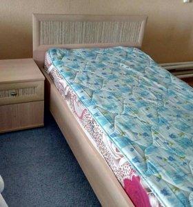 Кровать односпальная с тумбочкой