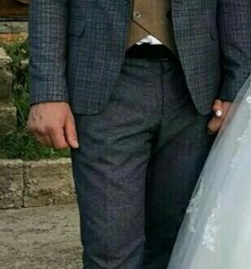 Мужской костюм -тройка