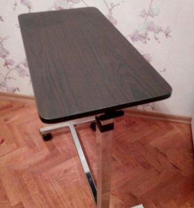 Столик сервировочный на колесиках.