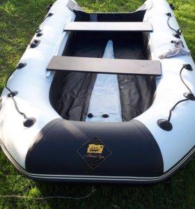Лодка Ривьера 3400