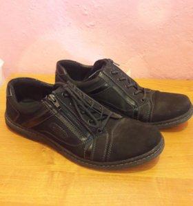 Ботинки подростковыеб/у. 40 размер