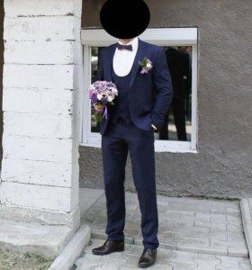 Мужской костюм-тройка и рубашка
