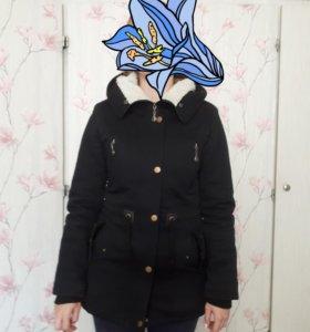 Парка. Куртка. утеплённая. S