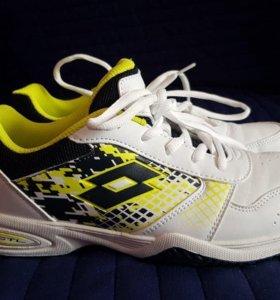 Продам новые женские теннисные кроссовки Lotto