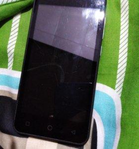 Телефон MicroMax Q415