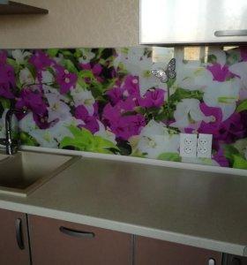Кухонный стеклянный фартук