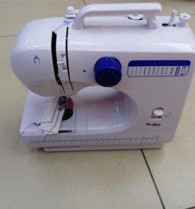 Швейная машина Tesler