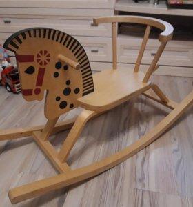 Качалка лошадка деревянная