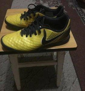 "Шиповки ""Nike MAGISTAX OLA II"""