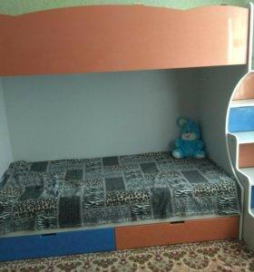 Детская 2х ярусовая кровать и шкаф