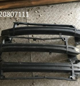 Усилитель бампера / Решетка радиатора / Подфарник