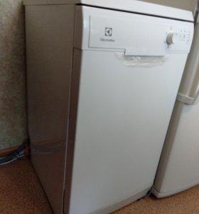 Посудомоечная отдельностоящая машина Electrolux