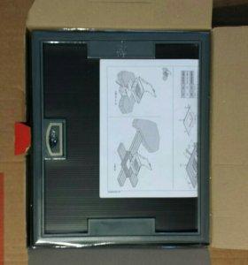 Напольная коробка, разетки на 24 модуля с крышкой