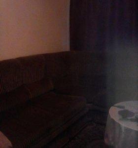 Продам диван угловой для дачи