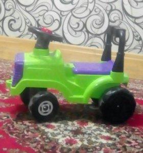 Машинка каталка Трактор
