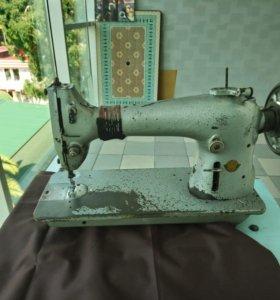 Швейная машина 22го класса со столом