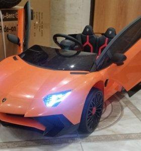 Электромобиль Lamborghini Roadster SV