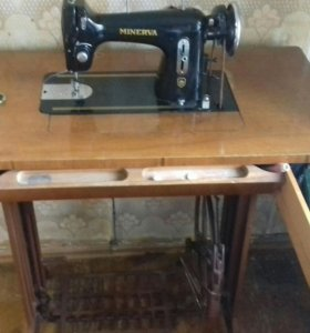 Швейная машинка Минерва 1941 года изготовления