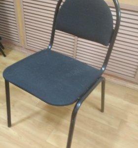 Остался всего один стул и шкаф для офиса!