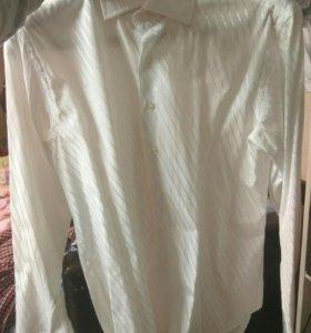 Белая рубашка в отличном состоянии
