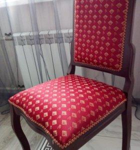 Комплект стульев, стулья