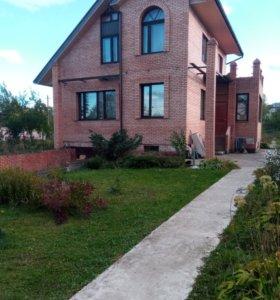 Дом, 208 м²
