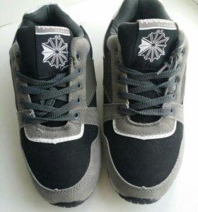 детские утепленные кроссовки
