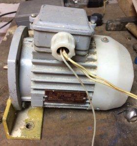 Электродвигатель 220/380