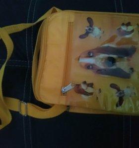 Новая,сумочка-косметичка.