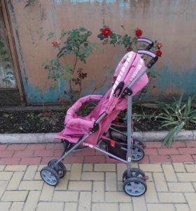 Прогулочная коляска в нормальном состоянии.