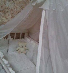 Комплект в кроватку из жаккарда белого цвета