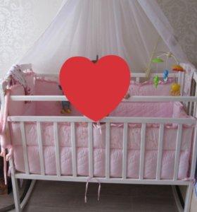 Кроватка для новорожденного.