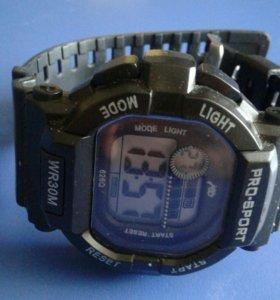 Многофункцианальные электронные часы