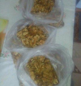 Чищеные орехи