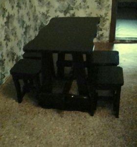 Стол кухонный с табуретками под старину