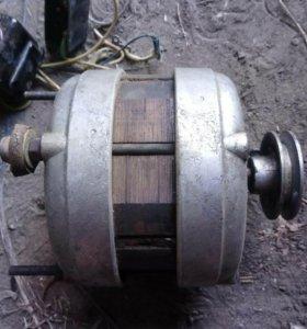 Мотор( 2 шт.)