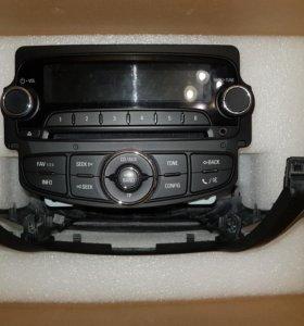Магнитола GM 95275272 + рамка Chevrolet Cruze