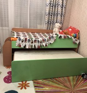 Выдвижная кровать-комод