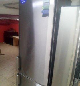 Стальной холодильник Беко